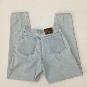 "Vintage Light Wash High Waisted Mom Jeans 28"" x 31"